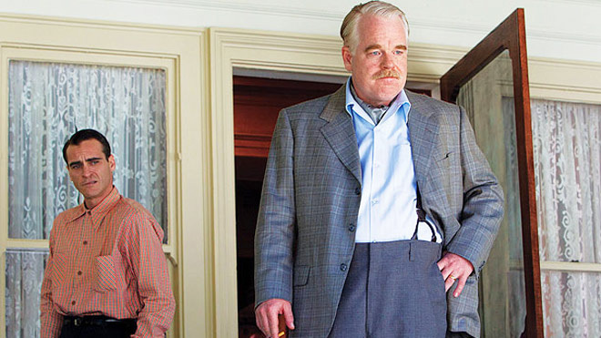 Still of Philip Seymour Hoffman and Joaquin Phoenix in The Master (The Weinstein Company 2012)