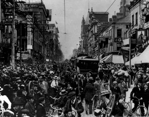 Celebration_of_the_end_of_the_Boer_War,_Yonge_Street