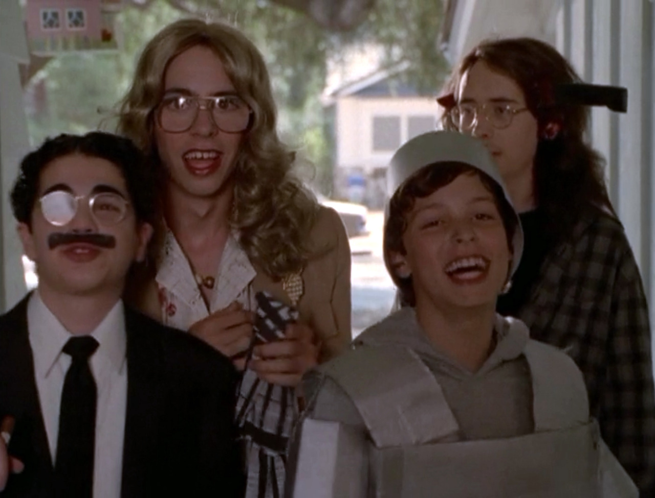 Freaks and Geeks go trick-or-treating