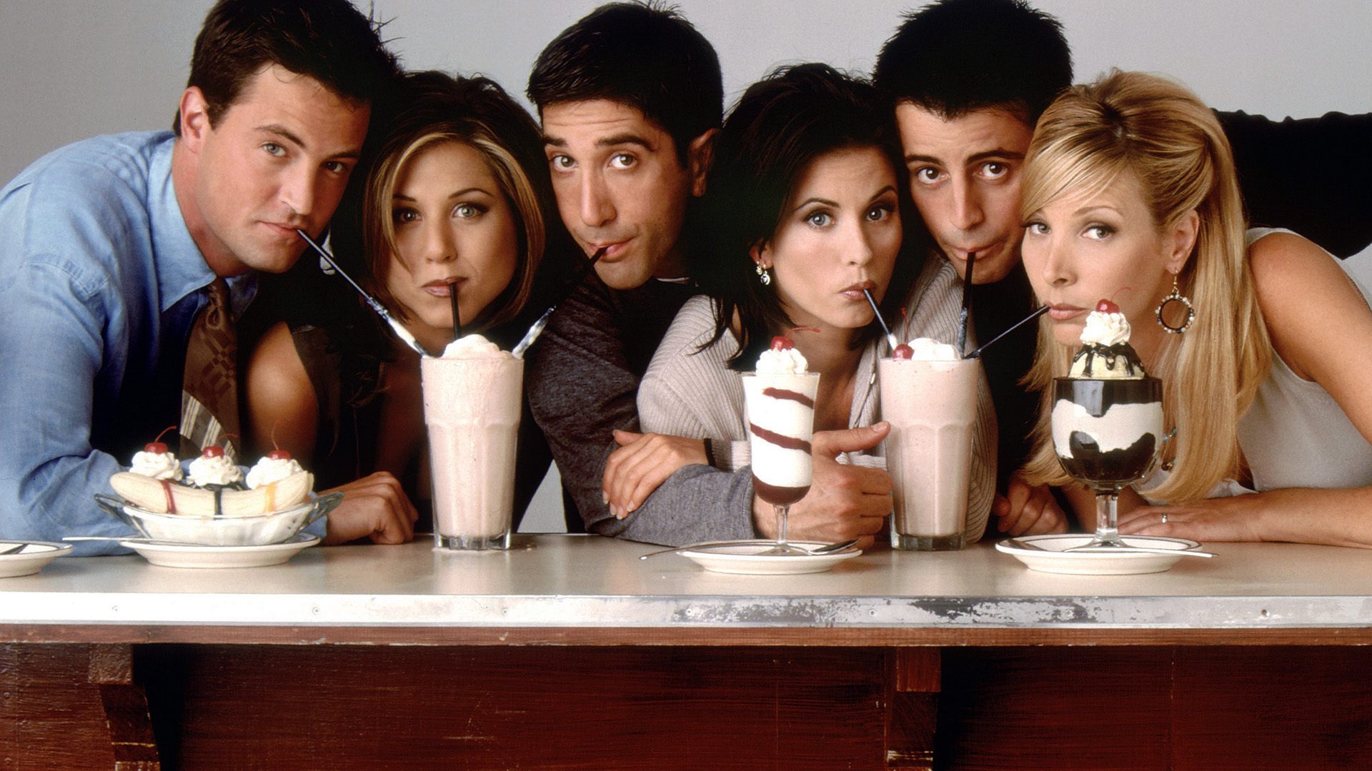 """Promo shot of the cast of """"Friends"""""""