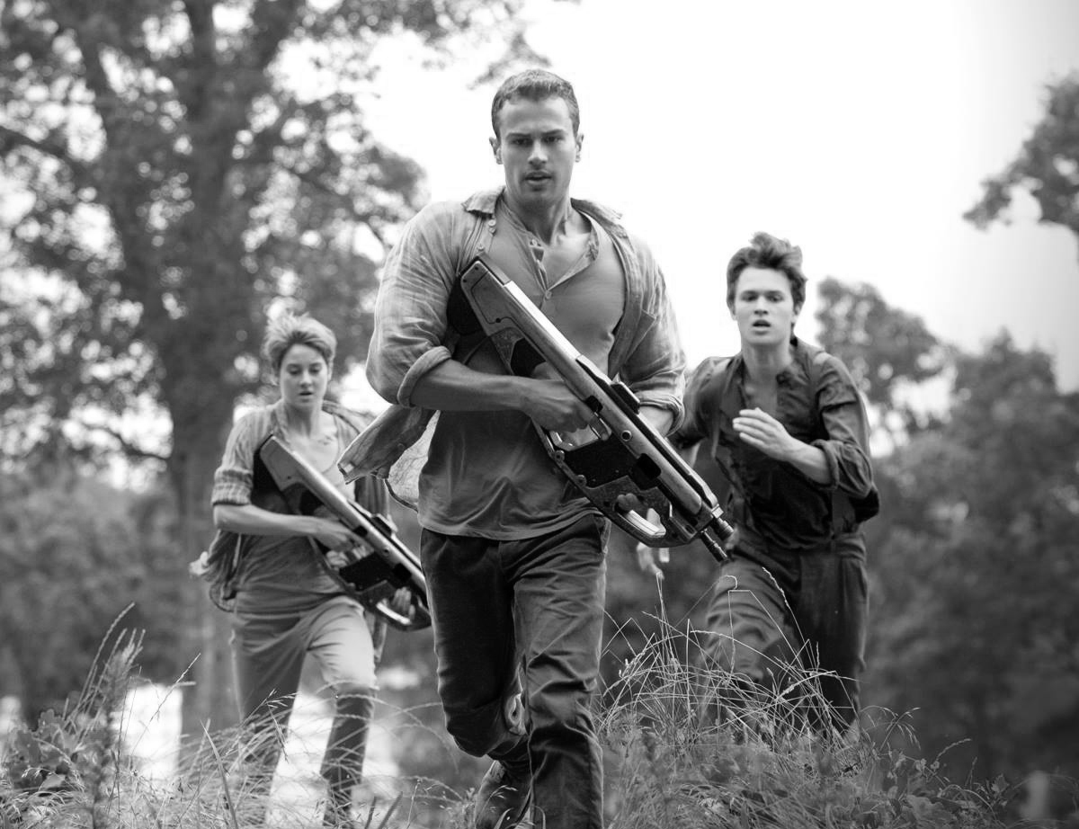 Photo by Andrew Cooper - © 2014 - Lionsgate; Still of Shailene Woodley, Theo James and Ansel Elgort in Insurgent (2015)