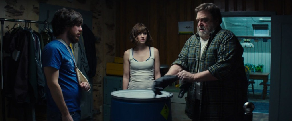 Still of John Goodman, John Gallagher Jr. and Mary Elizabeth Winstead in 10 Cloverfield Lane (2016)