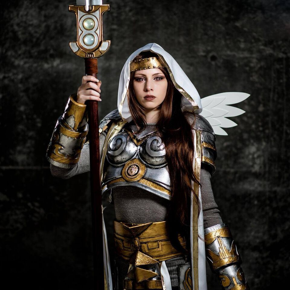 Photo of Christine Sprankle cosplaying Elspeth